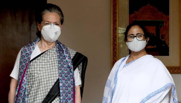 बीजेपी को हराने के लिए सबको एक होना जरूरी: ममता बनर्जी ने कांग्रेस अध्यक्ष सोनिया गांधी से की मुलाकात