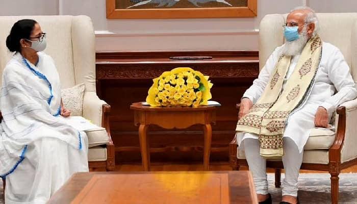 पश्चिम बंगाल में बाढ़ की स्थिति पर प्रधानमंत्री ने मुख्यमंत्री ममता बनर्जी से बातचीत की, मदद के लिए हरसंभव सहायता का आश्वासन....