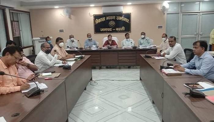 Basti News: गौशाला की दुर्व्यवस्था से नाराज जिलाधिकारी ने 3 दिन में रिपोर्ट देने को कहा