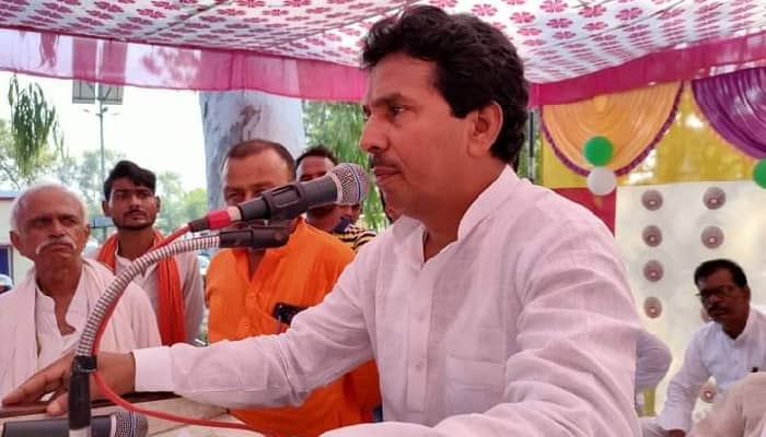 Sant Kabir Nagar News:  सदर विधायक जय चौबे ने किया भीमराव अंबेडकर और वीर अब्दुल हमीद की प्रतिमा का उद्घाटन