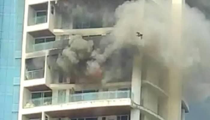मुंबई: करी रोड स्थित बहुमंजिला अविघ्ना पार्क  अपार्टमेंट में लगी भीषण आग,  बिल्डिंग की 19वीं मंजिल से कूदा शख्स, मौत