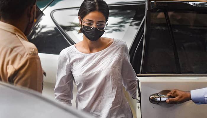 ड्रग्स मामला: NCB दफ़्तर पहुंचीं अभिनेत्री अनन्या पांडे